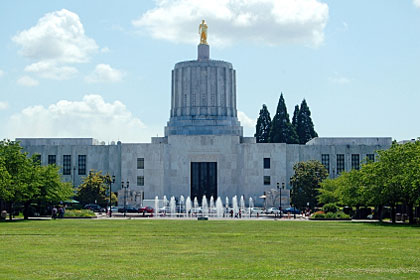 Oregon state capitol building, Salem, OR